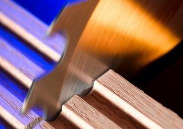 Wood Cutting Blade Using